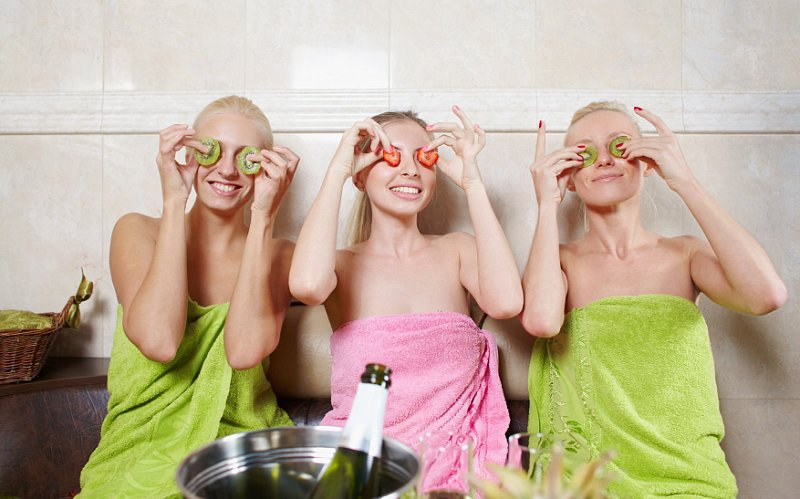 HOME SPA PARTIES... BACHELORETTE PARTIES... ETC...